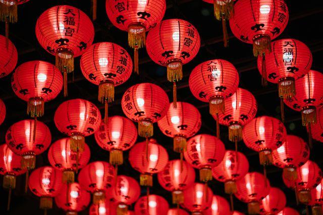 photo-of-red-paper-lanterns-1167160.jpg