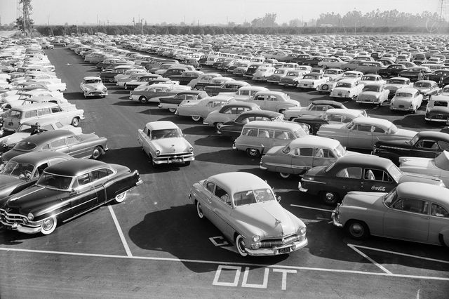 July 1955: The Disneyland parking lot on opening day.webp